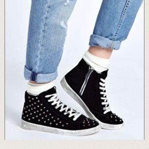 Steve Madden Pink Twynkle Suede Fashion Sneakers